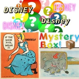 MYSTERY OR RESELLER's Box - 10 Items DISNEY
